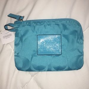 NWT Coach Turquoise Wristlet Wallet Clutch